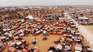 An_ariel_view_of_kahda_idp_camp_in_mogadishu_2_