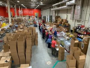 Volunteers_packing_bubs