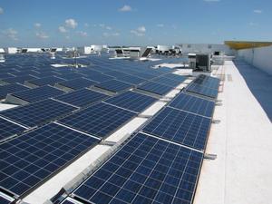 Solar_panels_atop_ikea_sunrise_in_broward_county_fl_-_1