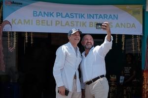 Hfj_david_katz_plastic_bank_opening_oct_2018