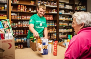 Students Leading Sustained and Innovative Hunger-Fighting Solutions Can