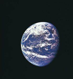 Earth-pic-apollo-11-shot