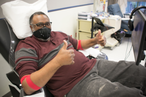 Red_cross_blood_donation_photo_12760-156
